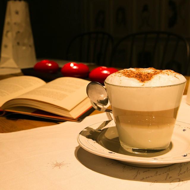 ¿Qué tal un café y un poco de relax para empezar la mañana?