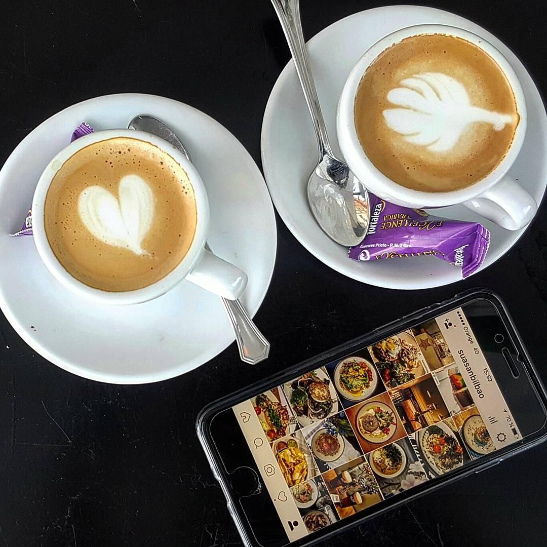 Cafés a media tarde en el Sua San.